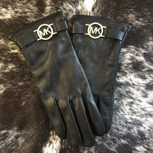 MICHAEL KORS LEATHER GLOVES ⭐️❤️⭐️❤️